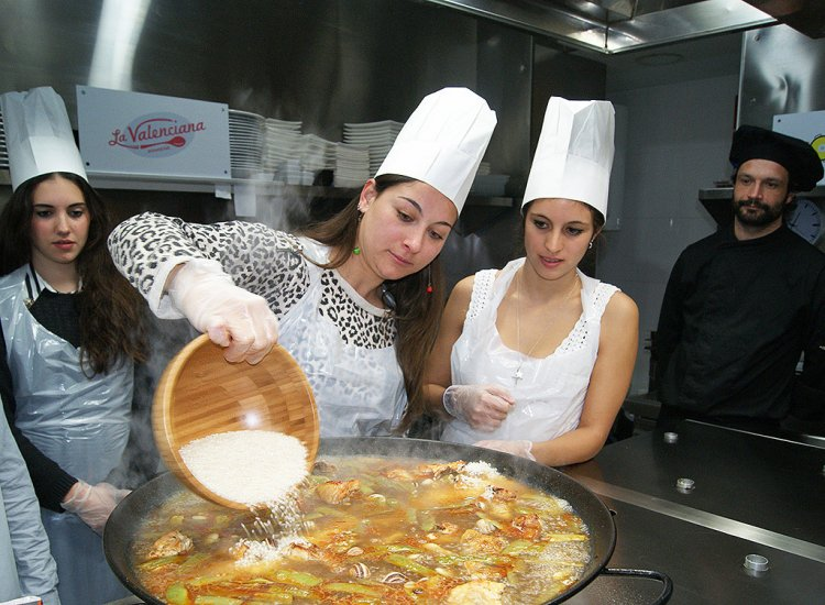 Paella Valenciana <br>cooking experience
